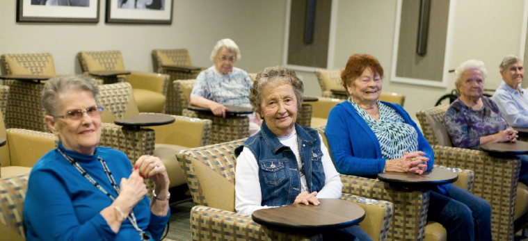 10-factors-to-consider-when-choosing-retirement-community.png