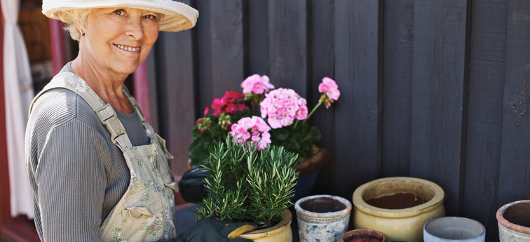 8 Fun Activities for Seniors to Do Around Town