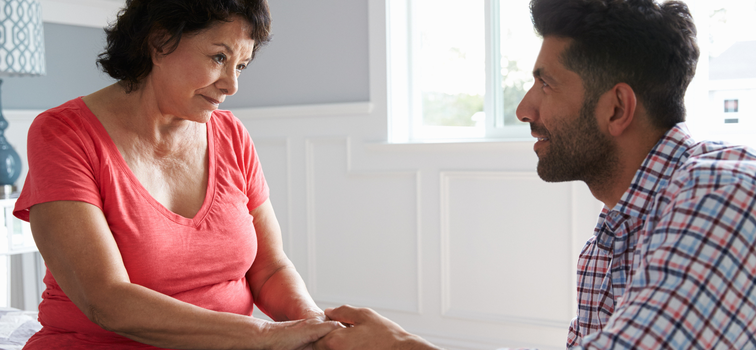 Supporting an Aging Parent? Here's How to Know It's Time for Help