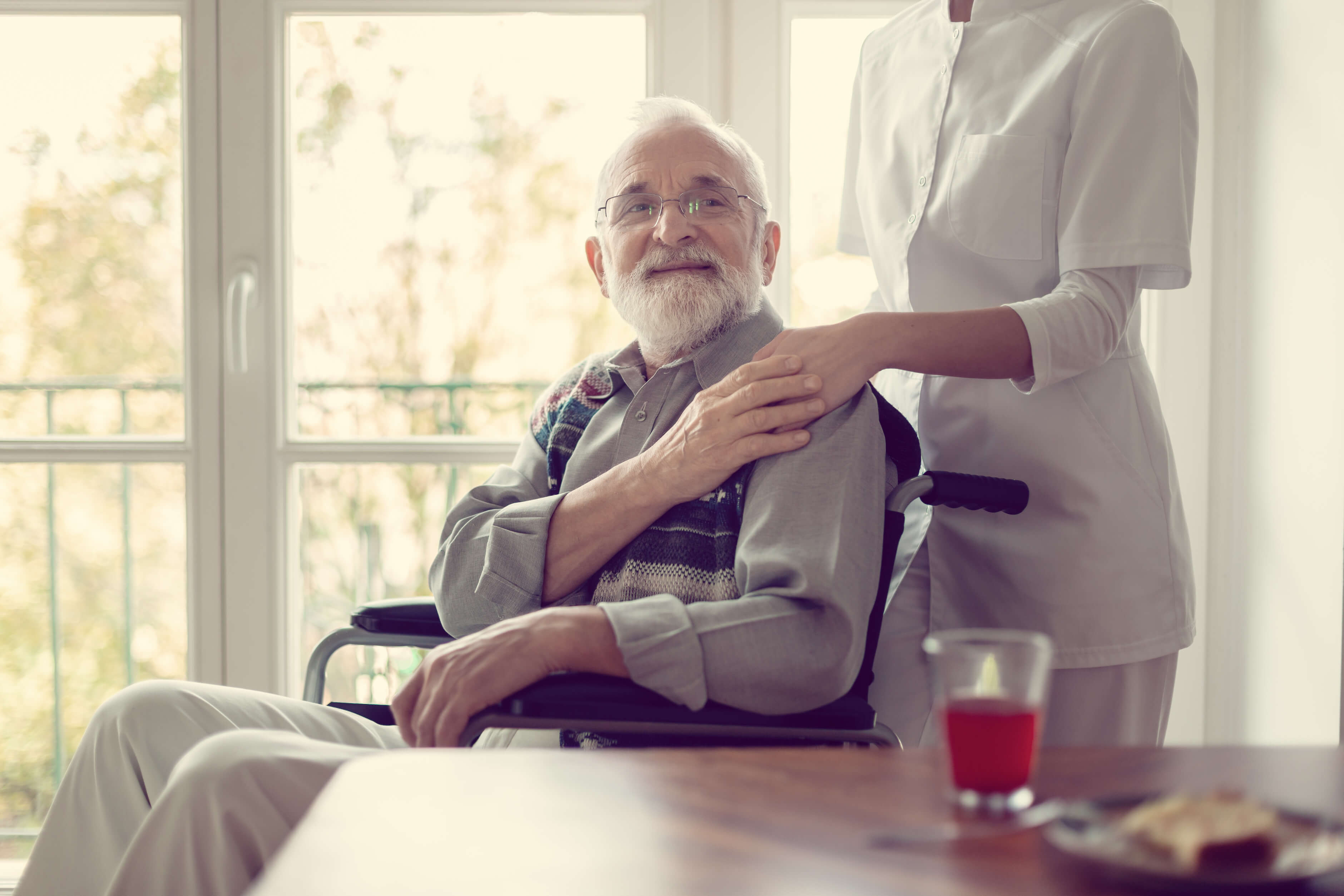 Do People Living with Alzheimer's Live Longer With Family or in Nursing Homes